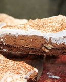 Torta mousse de chocolate com chantilly